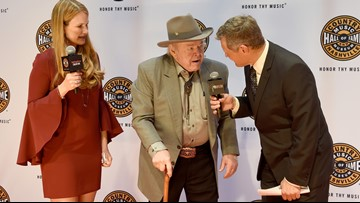 Country star Roy Clark, host of 'Hee Haw,' dead at 85