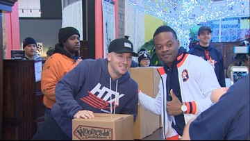 Astros star Alex Bregman teams with Mattress Mack for turkey giveaway