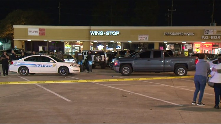 DPS trooper shoots, kills robbery suspect in northwest Harris County, police say