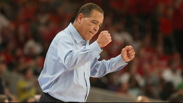 Court Report: Undefeated UH basketball is off to a hot start, and coach Kelvin Sampson wants it to be his 'final stop'