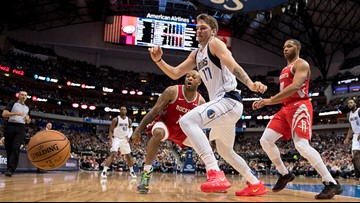 Doncic scores 11 straight, Mavs rally past Rockets, 107-104