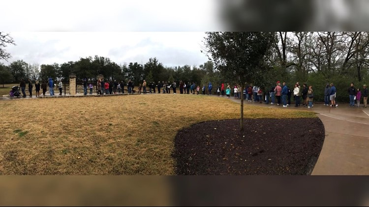 Hundreds wait in line as President George H.W. Bush's grave site opens to public