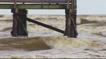 Dangerous rip currents shut down Houston-area beaches