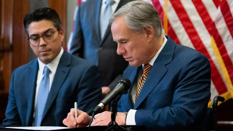 Gov. Abbott signs order, allowing DPS to stop vehicles they suspect are carrying anyone who crossed border illegally