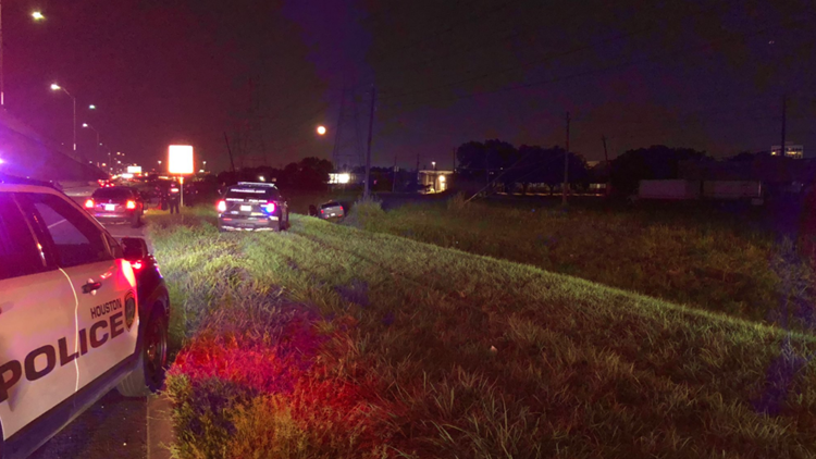 Man dies after being shot while driving on Westpark Tollway, HPD says