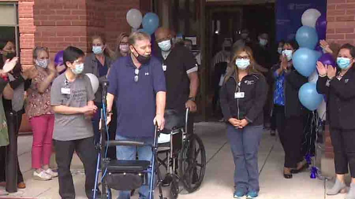 Fort Bend detective goes home after two-month battle with COVID