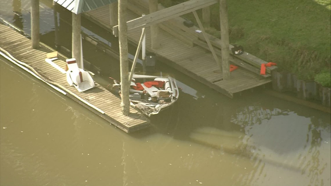 1 missing, 2 hurt after boat hits bulkhead at full speed on San