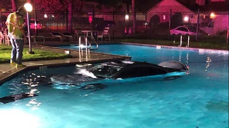 Driver crashes into SW Houston community pool, ditches car, Precinct 5 says
