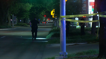 7-year-old girl shot in stomach during robbery near Hobby Airport