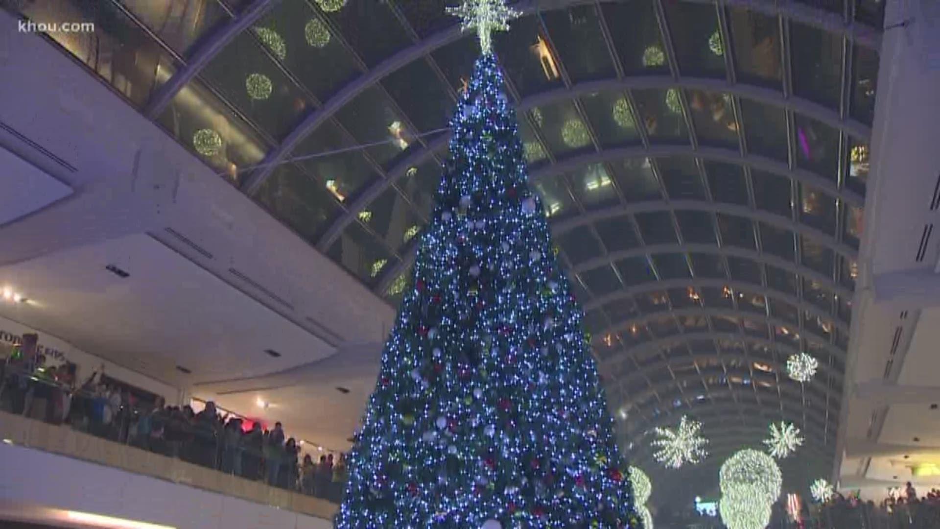 Houston Galleria Christmas Tree Lighting 2020 Houston Galleria lights up for Christmas | khou.com
