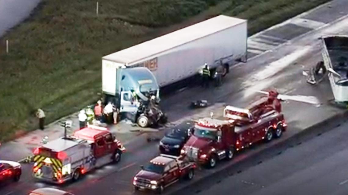 Big rig driver dies after crashing into loose trailer on I