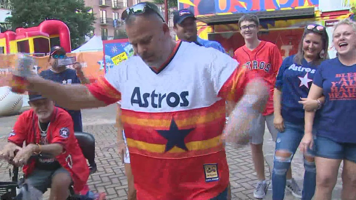 It's an Astros fashion show at Minute Maid Park