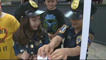 Nevada girl's lemonade stand in Freeport raises $3,000 for injured police officers