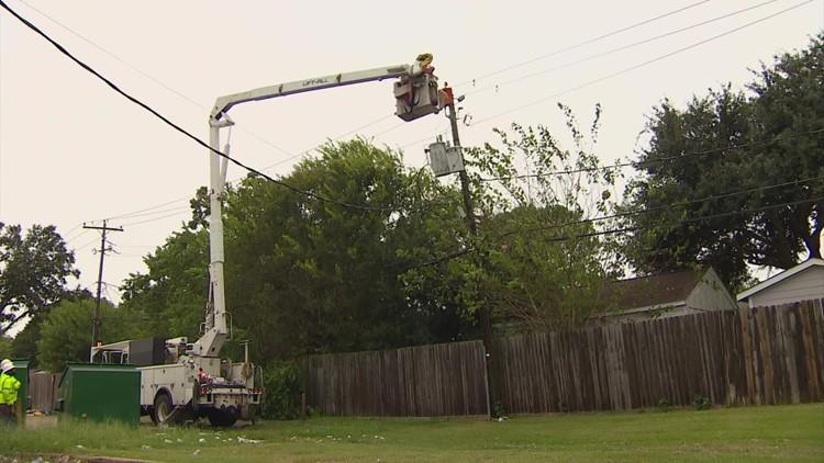 Crews working to restore power to Meyerland area following Nicholas