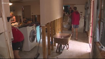 Splendora football players help community rebuild after flood
