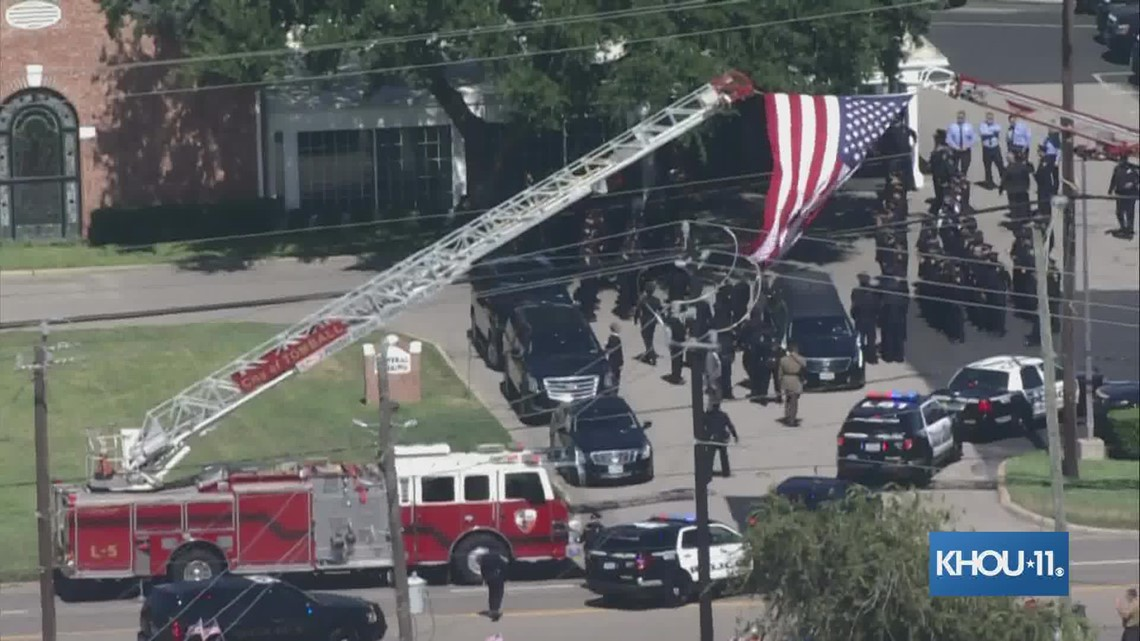 Procession for HPD officer Bill Jeffrey arrives at funeral home