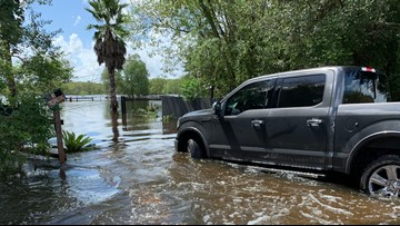 Drivers rescued from high water after ignoring barricades in Huffman