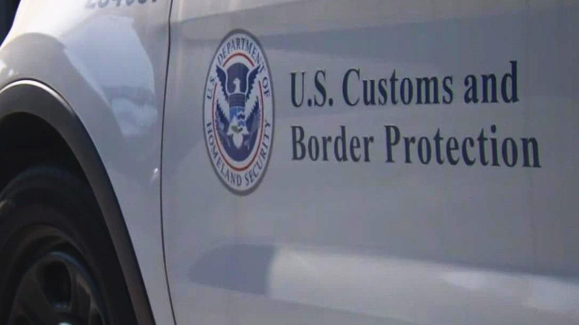 Haitian immigrants overtake Border Patrol bus, South Texas sheriff says