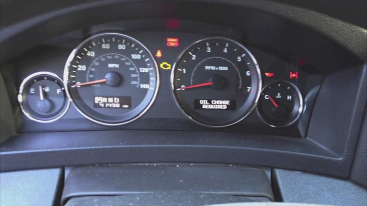 3 dashboard warning lights drivers should never ignore