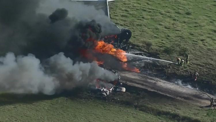 Aviation expert explains how 21 people survived fiery plane crash near Houston