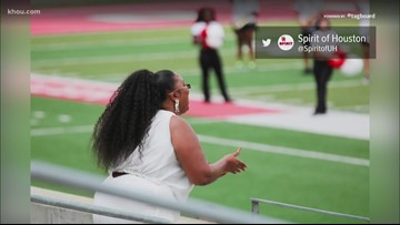 Lizzo visits University of Houston and hangs with the band!