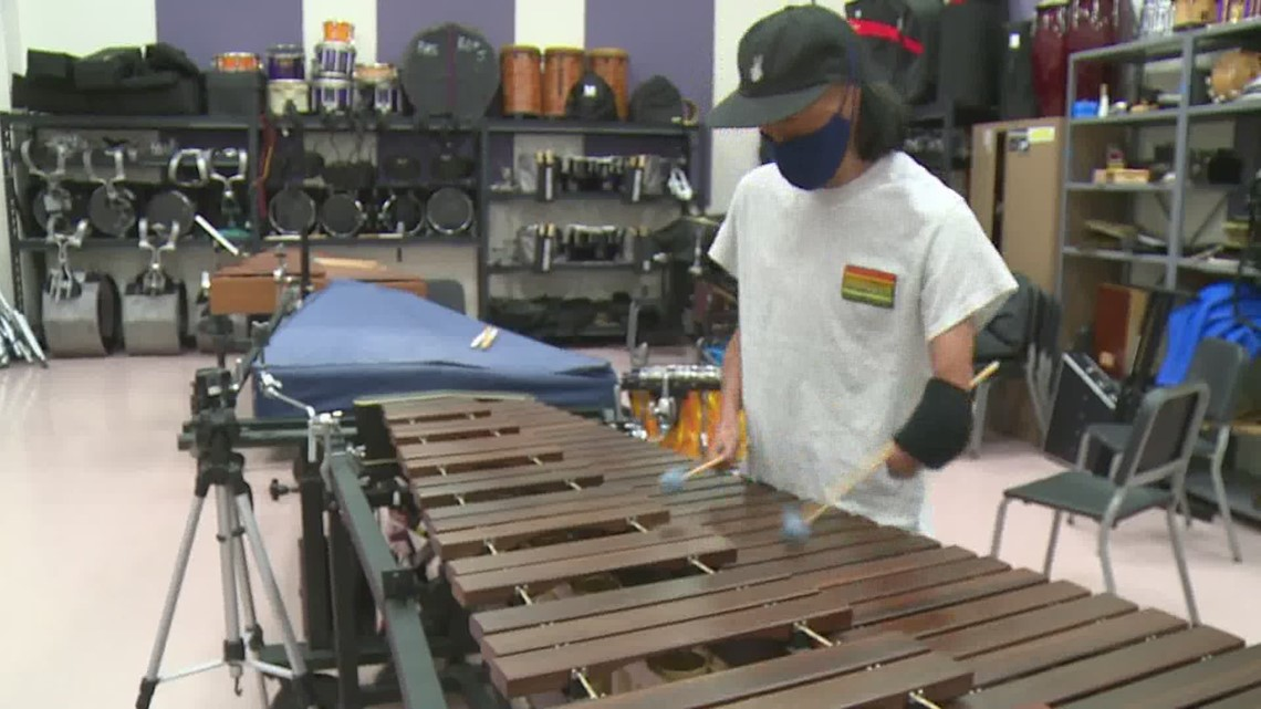 Percussionist finds a way to follow his passion despite not having hands