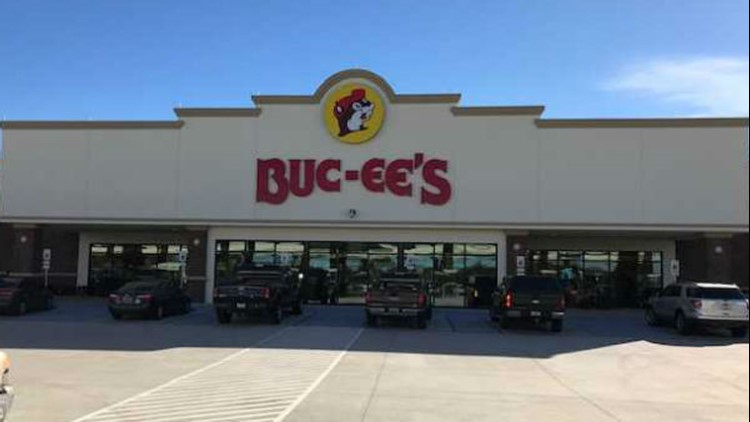 Buc-ee's announces plans for world's largest travel center with 120 fuel pumps, 250-foot car wash