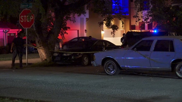 HPD: Homeowner finds man shot to death outside Heights residence