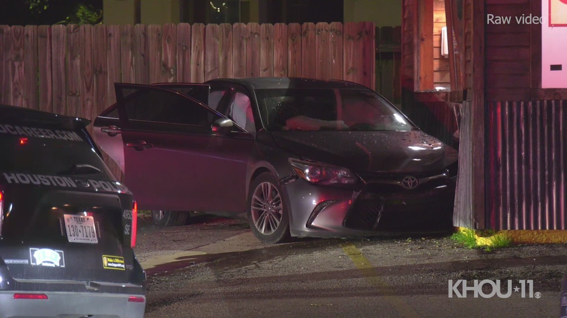 Raw: Police chase ends with crash into popular taco restaurant in Houston's East Downtown