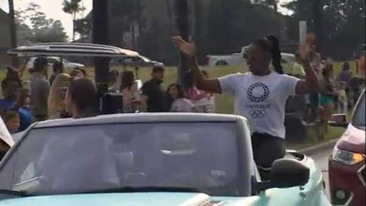 Simone Biles returns to hero's welcome in Houston