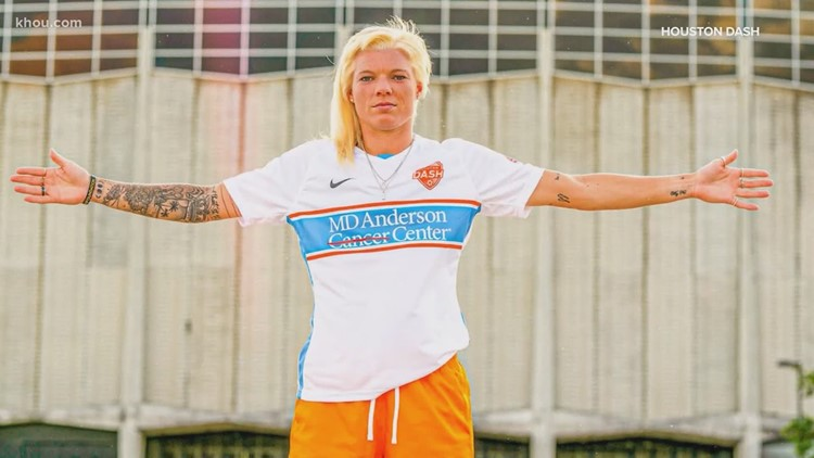 New Houston Dash jerseys pay homage to Oilers 'Luv Ya Blue' years