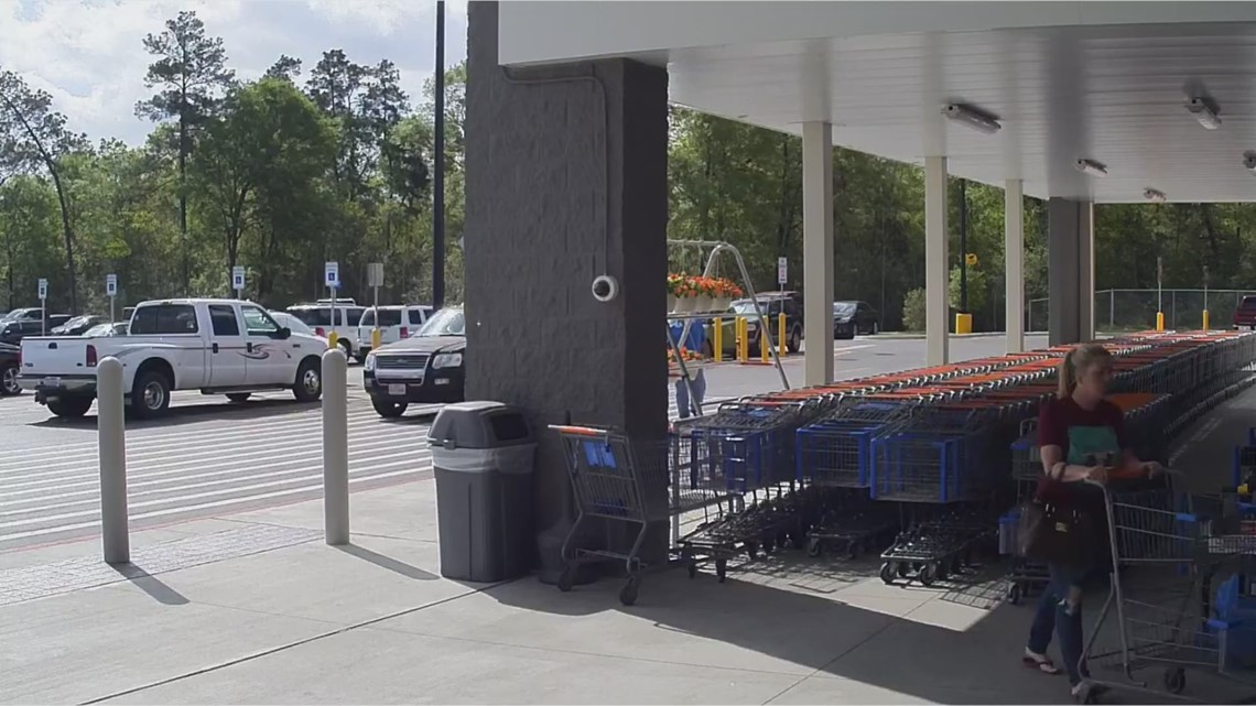 Raw Suspects Walk Away With Lost Money Bag At Montgomery Co Walmart Store