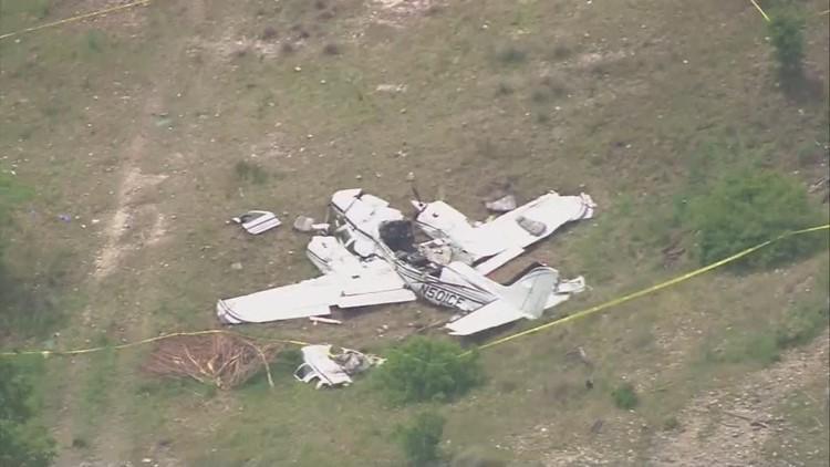 Raw video: Aerials over plane crash that killed six near San Antonio