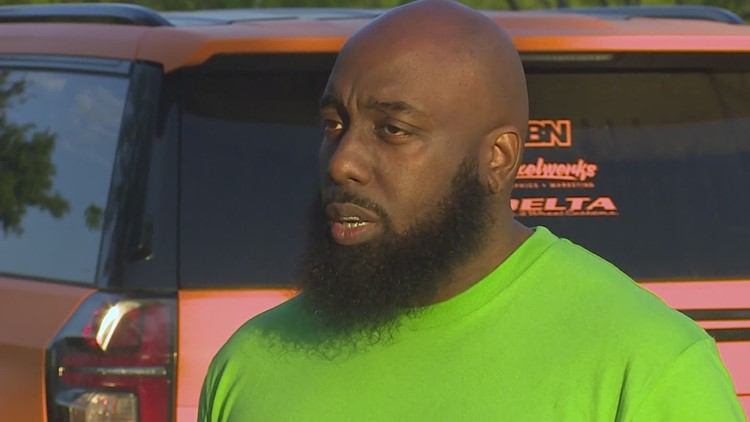 Trae tha Truth hands out $1,000 to 10 families to help with rent