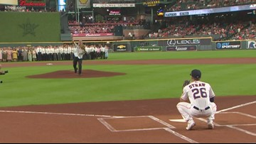 Neil Armstrong's son throws first pitch at Astros-A's on Apollo 11 night