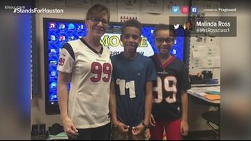 J.J. Watt helps kids on 99th day of school