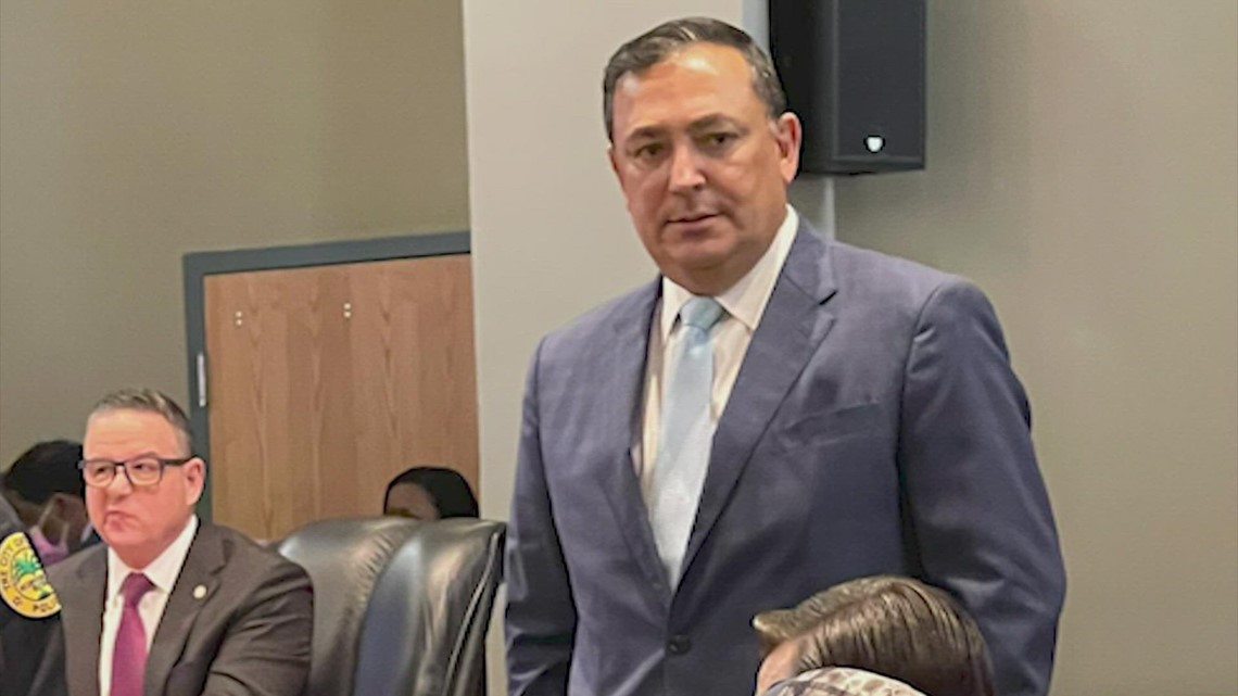 Miami commissioners unanimously vote to fire Art Acevedo as police chief