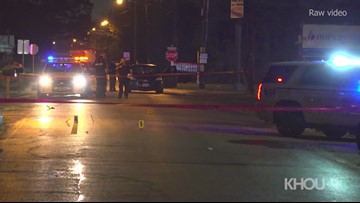 Raw: Fight over cell phone leads to double stabbing east of Houston