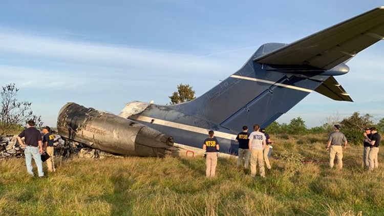 NTSB begins investigation into fiery plane crash near Houston   Live update at 3 p.m.