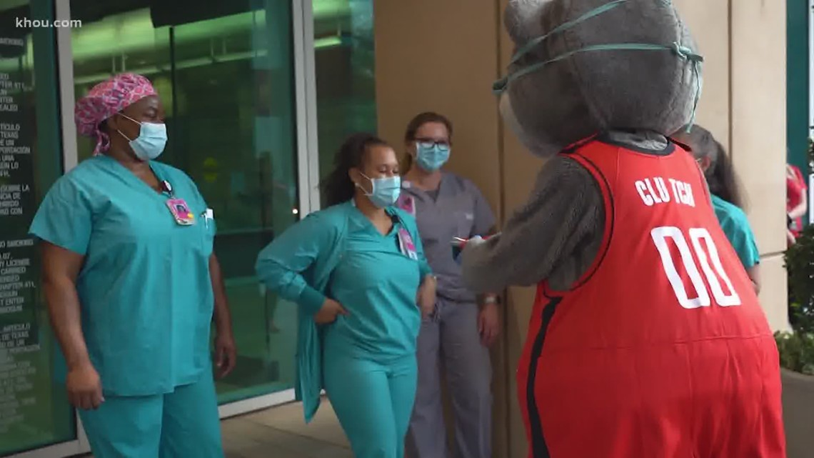 Houston Rockets deliver treats to frontline workers at Memorial Hermann in Memorial City