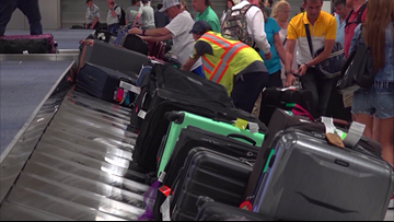Houston airport workers to earn $12 per hour minimum wage