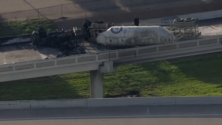 1 killed in fiery big rig crash on ramp from I-10 to I-69 near downtown | Raw scene video