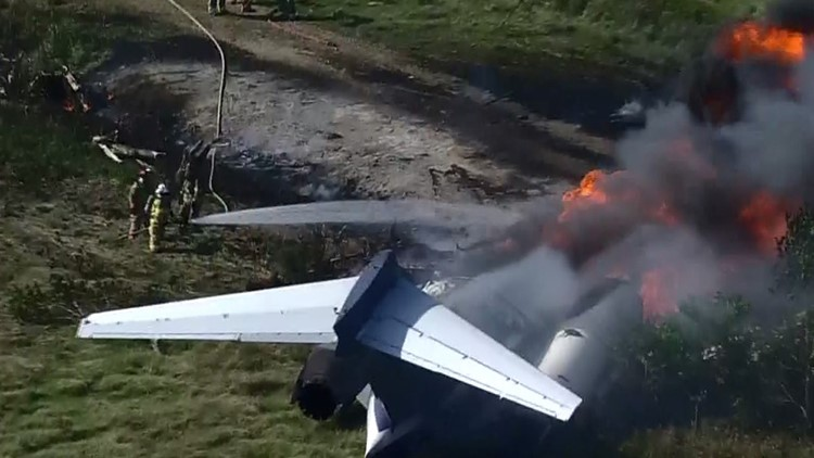 'Get out, get out!': 21 Astros fans survive after plane headed to  ALCS crashes, burns near Houston