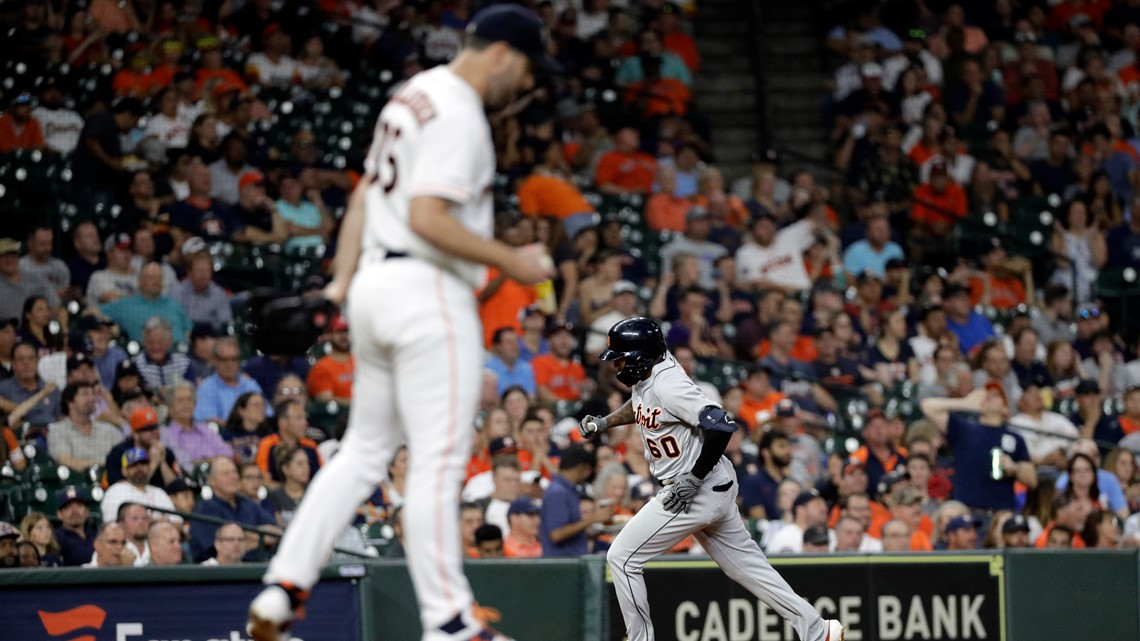 Verlander allows 2 HRs in 2-hitter, loses 2-1 to Tigers
