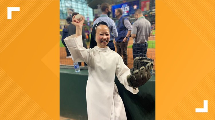 'Rally Nun' channels her inner Carlos Correa in throwing out Game 6 first pitch