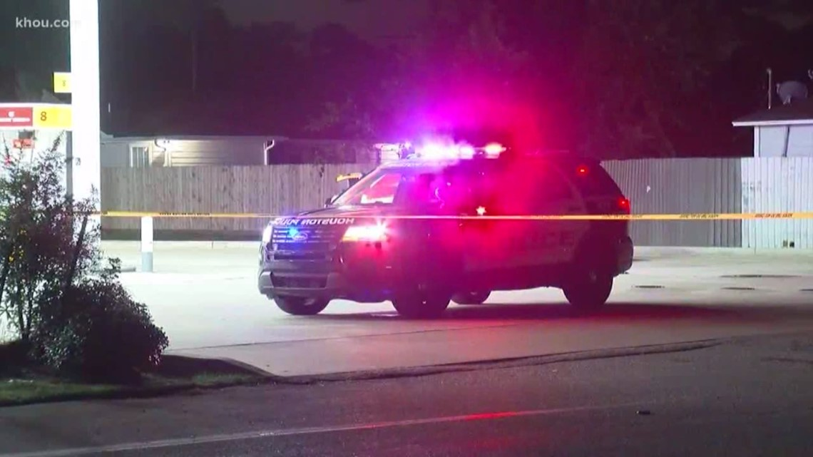 Man injured after shooting at north Houston gas station
