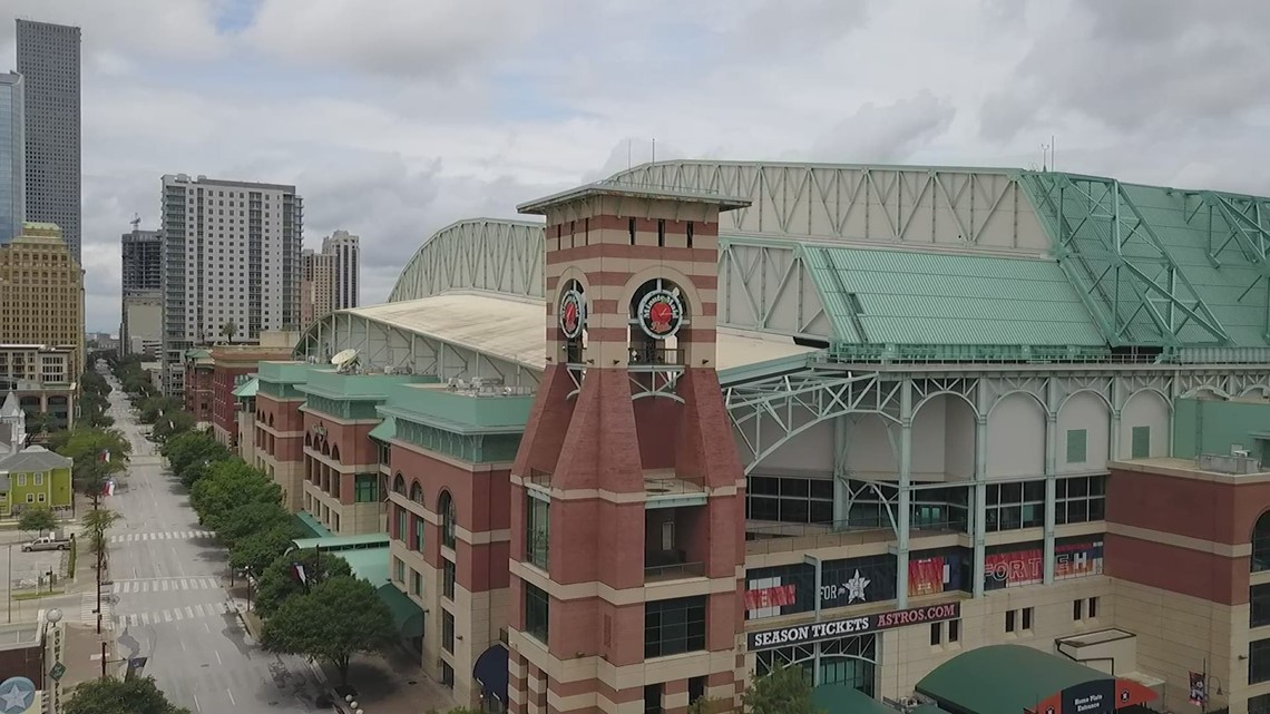 'I'm having a heart attack' | Astros fan says Minute Maid Park staff saved his life