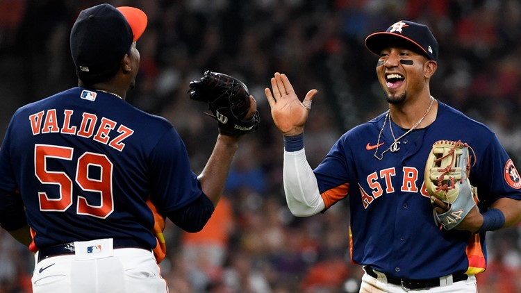Garcia drives in 3, Correa homers as Astros beat White Sox