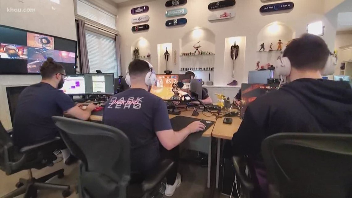 Behind the training of Houston Esports team Dark Zero