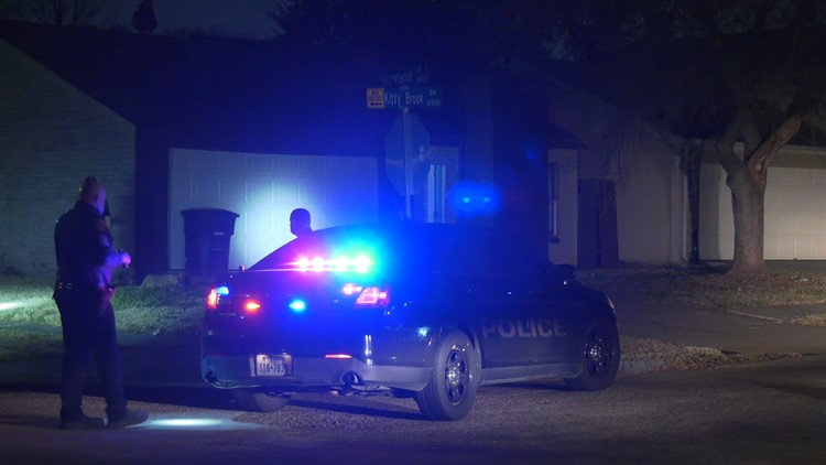 HPD: Man shot 3 times after questioning why his girlfriend was at southwest Houston home